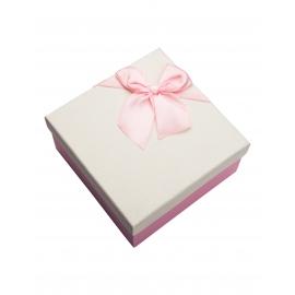 علبة هدية مربعه